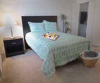 Bedroom, Brittany Apartments