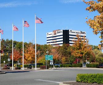 Woodbridge Center Plaza, Woodbridge, NJ