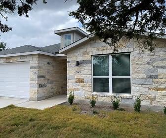 5700 Thunderbird St, Lago Vista, TX