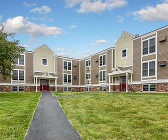 The Boulders is conveniently located in South Amherst, Boulders Apartment Homes