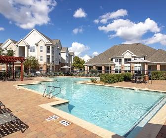 Pool, Kingwood Glen