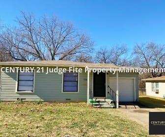 1226 S. Brazos Street, Mineral Wells, TX