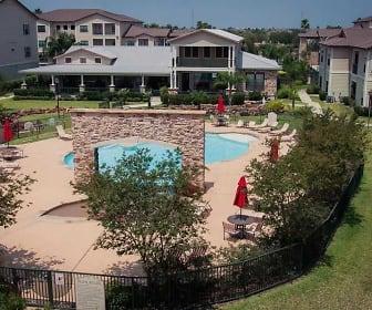 Pool, The Plantation Apartments