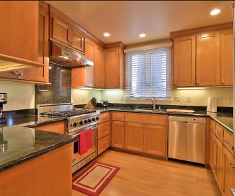 Kitchen, 1421 San Antonio Ave