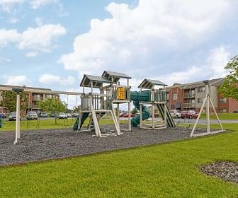 Playground, Hunters Oak