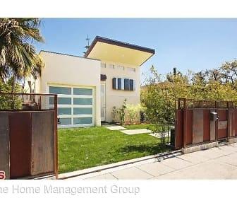 840 Brooks Avenue, Venice, CA