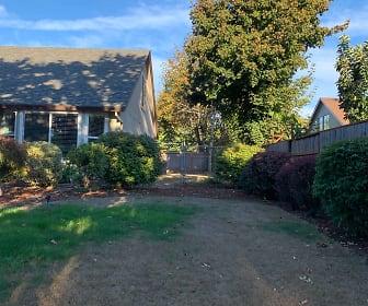 10440 SW Cornhusker Ave, Portland, OR