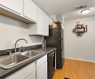 Kitchen, The Oasis at Midtown