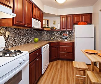 Kitchen, Lindenwood Apartments
