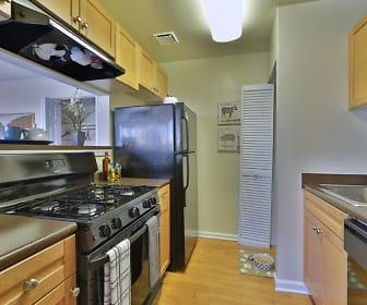 Kitchen, Parke Laurel Apartment Homes