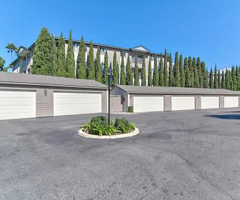 Detached 2 Car  Garages, Eastbluff 3 Bedroom Townhomes