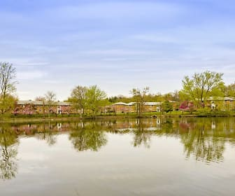Lake, Crestwood Lake Apartments