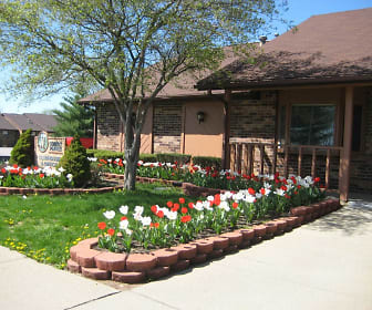 Landscaping, Summit Pointe Apartments