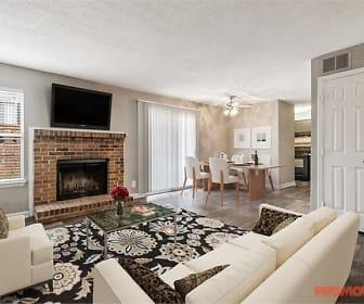 Living Room, Circa Ecco 400