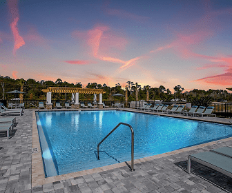 500 East Apartments, Daytona Beach, FL
