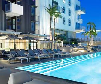 Pool, AVA Hollywood at La Pietra Place