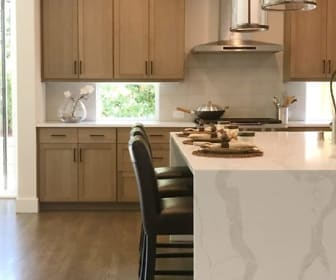 Kitchen, Park Central Townhomes