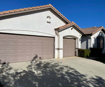 1456 Bottlebrush Ct, Beaumont, CA