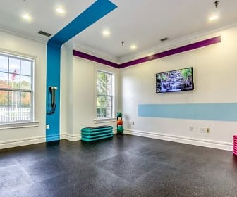 Fitness Weight Room, Eagle Rock Apartments at Freehold