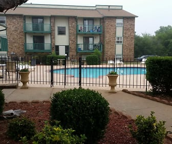 Indian Oaks Apartments, Hennessey, OK