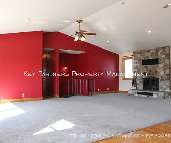 12924 Leavenworth Rd, Bonner Springs, KS