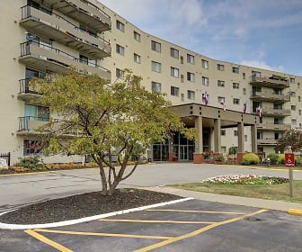 Parkside Towers, Middleburg Heights, OH