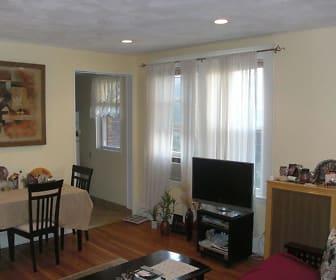 124 Sutherland Rd #7, Chestnut Hill, MA