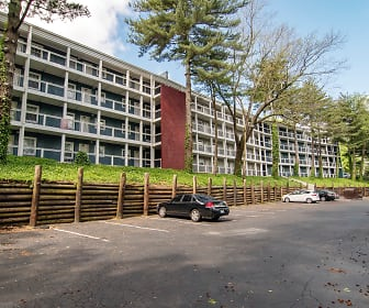 Building, The Life at Lakeview