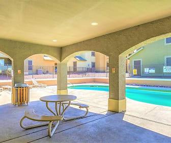 Pool, Bella Vita