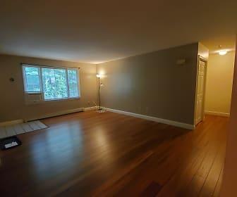 812 Springbrook Cir, Kensington, NH