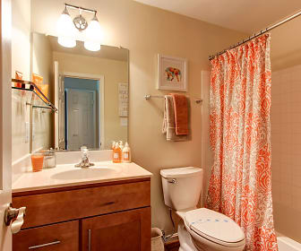 Bathroom, The Elms at Centreville