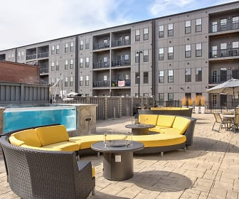 1400 Russell Luxury Apartments, Cahokia, IL