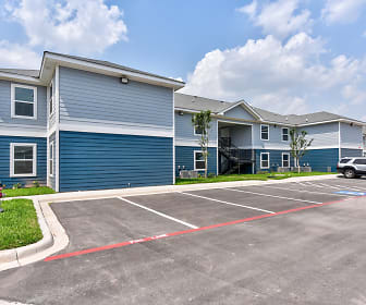 Mercedes Place Apartments, Los Fresnos, TX