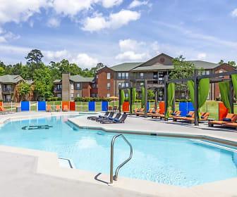 Pool, The Hub at Auburn