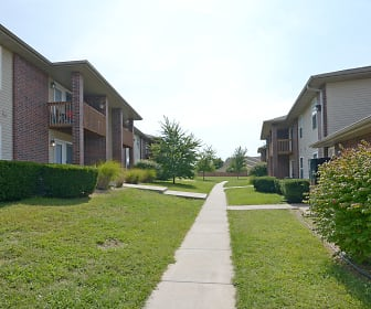 Pinewood Park Apartments, Clever, MO