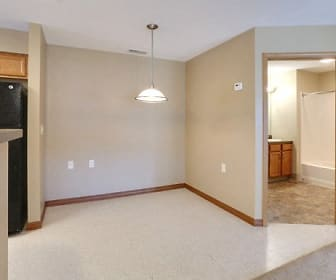 1 Bedroom Unit - Dining Area, Deer Lakes Apartments