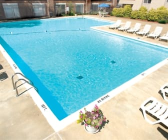 Pool Area, Grand Oaks Apartments