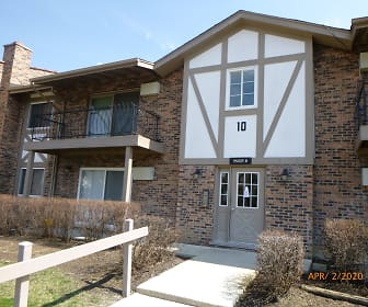 9S025 Lake Dr Apt 10-103, Goodings Grove, IL