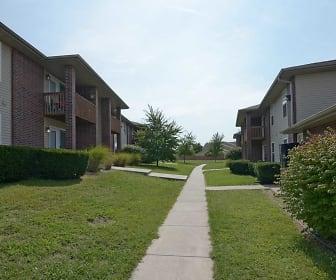 Building, Pinewood Park Apartments