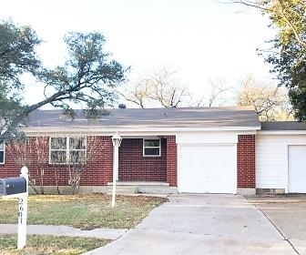 2601 Live Oak Dr., Lampasas, TX