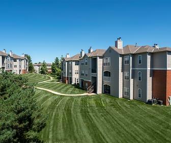 Signature Place Apartments, Westridge Elementary School, West Des Moines, IA