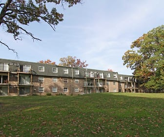 Scenictree Apartment Homes, Moraine Valley Community College, IL
