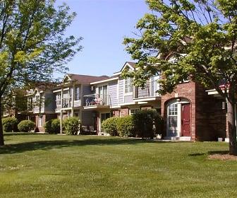 Wood Creek Apartments, Carthage College, WI