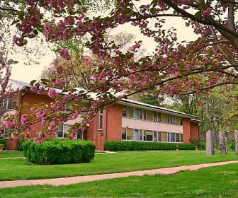 Cherokee Apartments At Chestnut Hill, Lankenau High School, Philadelphia, PA