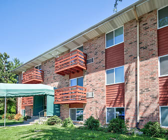 Heritage Green Apartments, Lindenhurst, IL