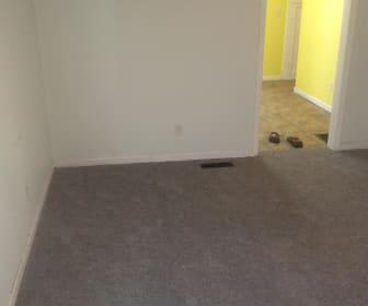 Living Room, 532 west Carpenter st