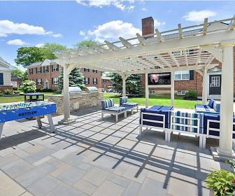 The Villas at Bryn Mawr Apartment Homes, Ithan Elementary School, Bryn Mawr, PA