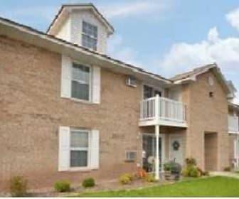 Building, Deerfield Village Apartments