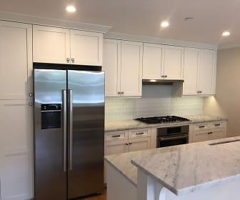 Kitchen, 105 Winthrop Rd, Unit 2