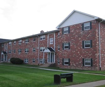 Building, Quakertown West